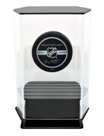 SINGLE HOCKEY PUCK FLOATING ACRYLIC DISPLAY CASE