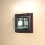 ETCHED GLASS GLASS GOLF BALL DISPLAY CASE � WALL MOUNT