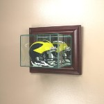 ETCHED GLASS SINGLE MINI HELMET DISPLAY CASE � WALL MOUNT